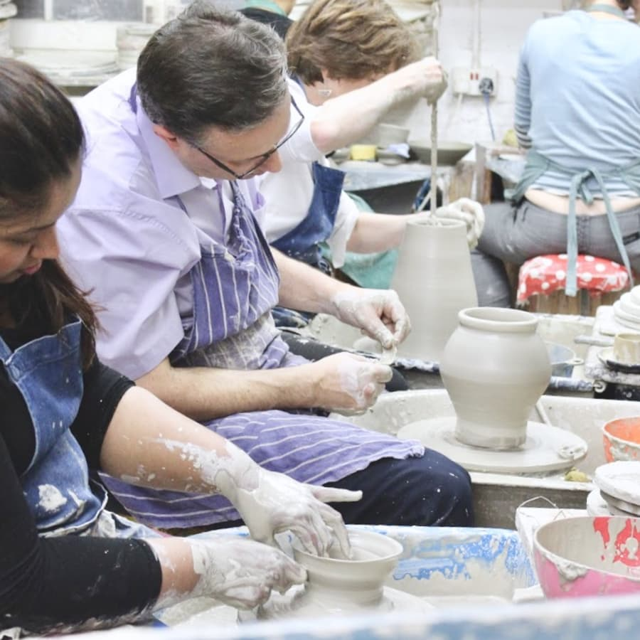 Beginner Pottery Taster by Freya's Clay Club - art in London