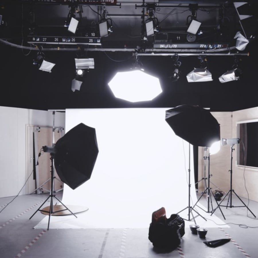 Studio Lighting: Portraits by Photography Course London - photography in London