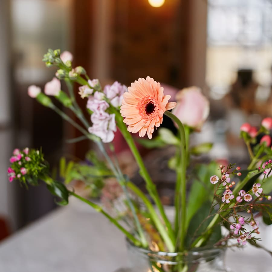 bloomon Flower Arranging Workshop: Hampstead by bloomon - crafts in London