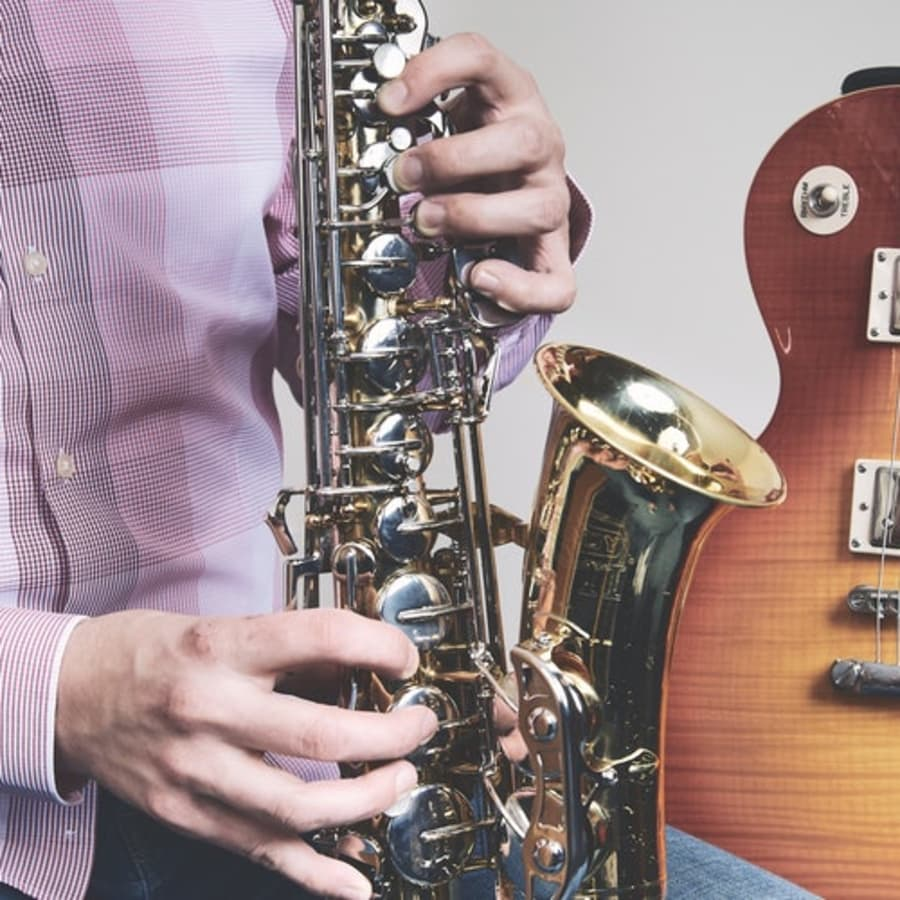 Beginners Saxophone Lessons by Tom Barford - music in London