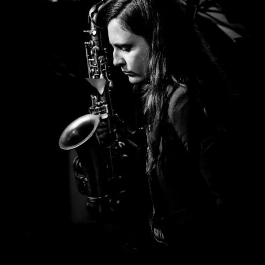 Beginners Saxophone Lessons with Dee Byrne by Dee Byrne - music in London