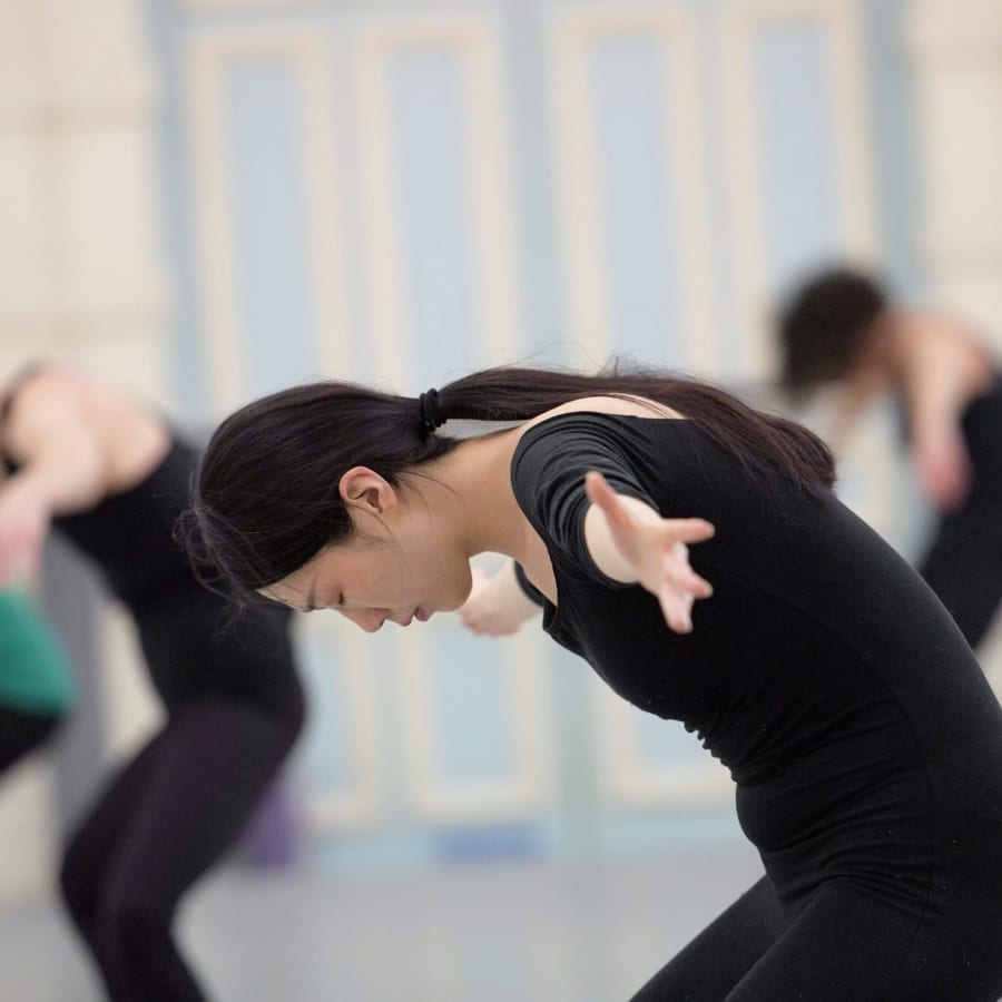 Contemporary Dance by English National Ballet - dance in London