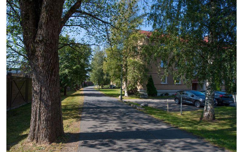 Gang- og sykkelveien fra Klosterheim bussholdeplass, langs Tvetenveien