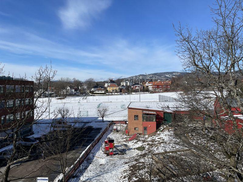 Utsikt fra terrassen mot Holmenkollen