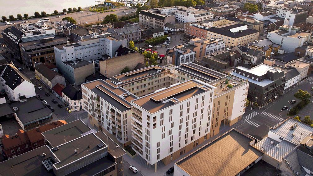 dronefoto av Hamar sentrum med 2317 Sentrumskvartalet illustrert
