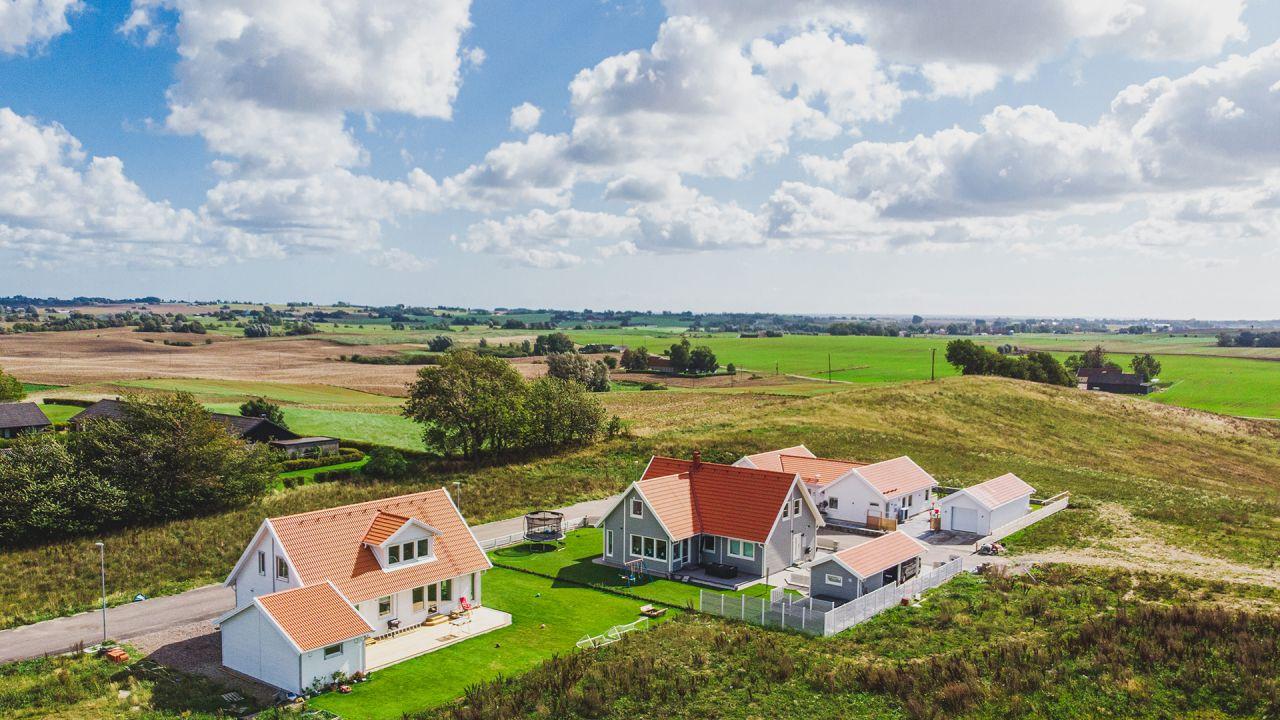 stora hus med mycket mark