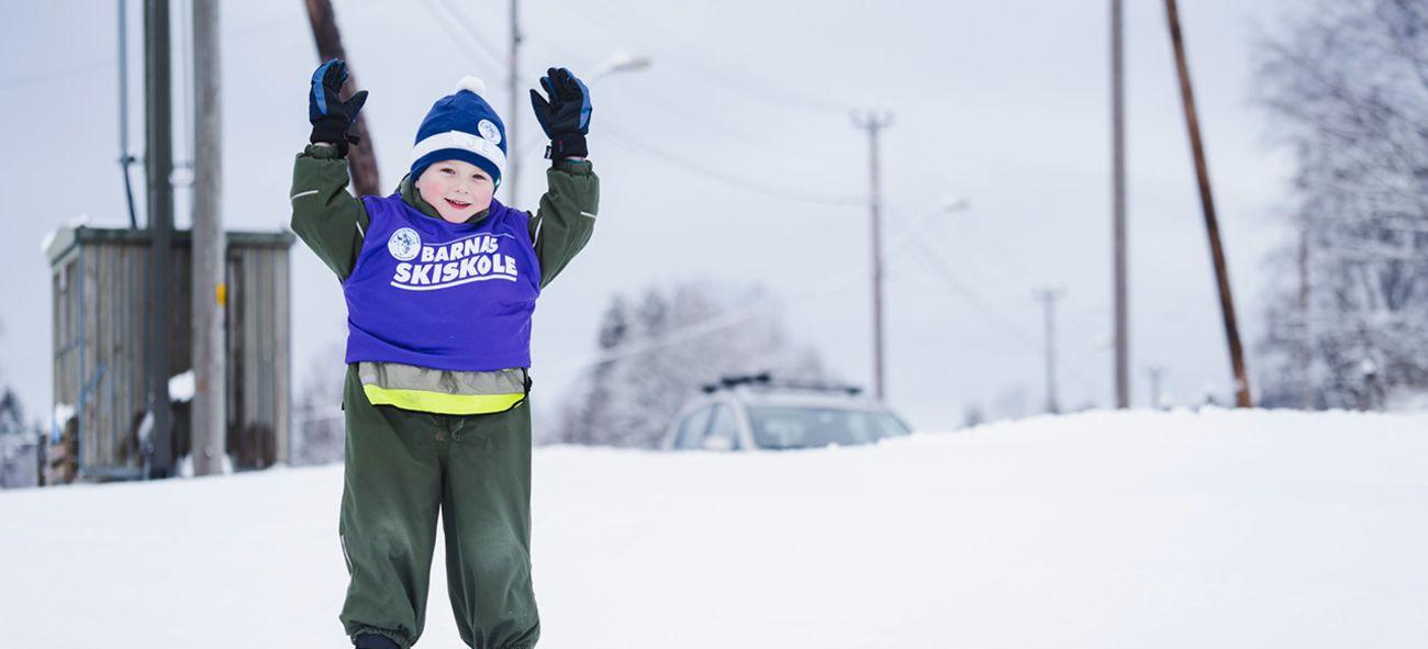 Ung gutt på ski