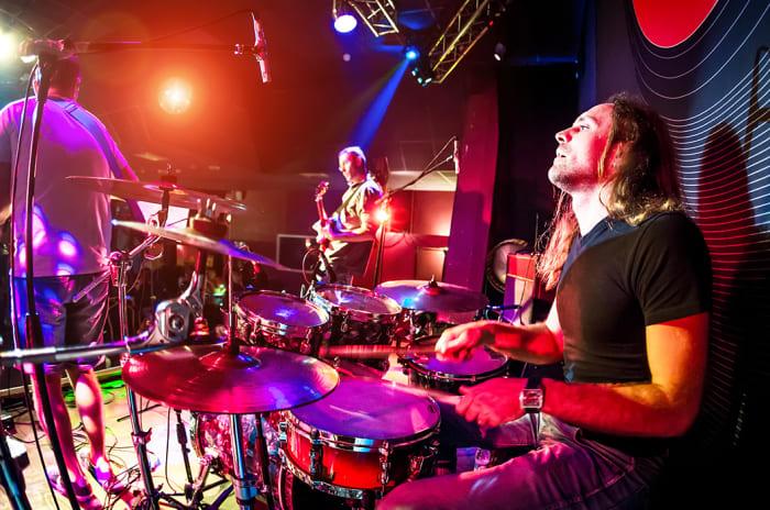 Musikere spiller på scenen på Nøtterøy kulturhus