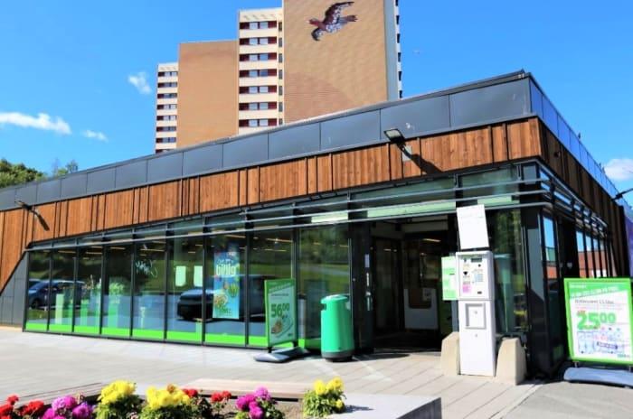 Bilde av fasaden på Trosterud torg
