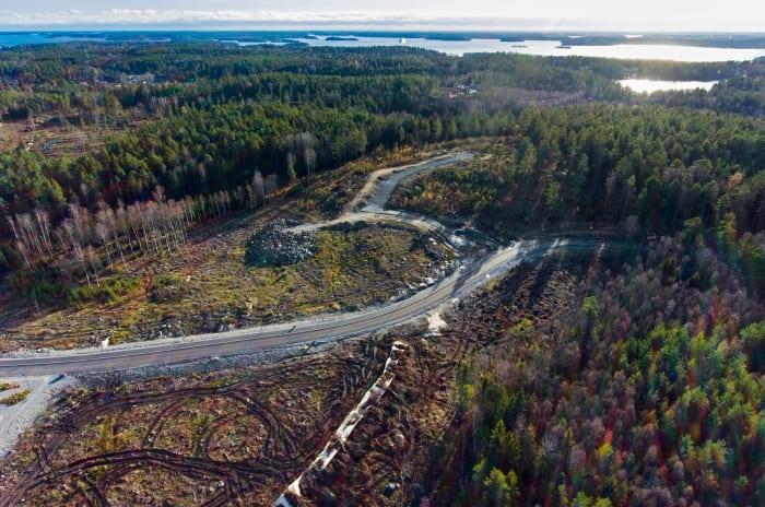 Ett flygfoto över Valsjövillorna i Åkersberga