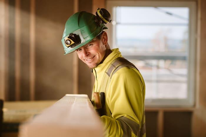 Tømrer Tobias Grutmann i OBOS Block Watne Viken Nord