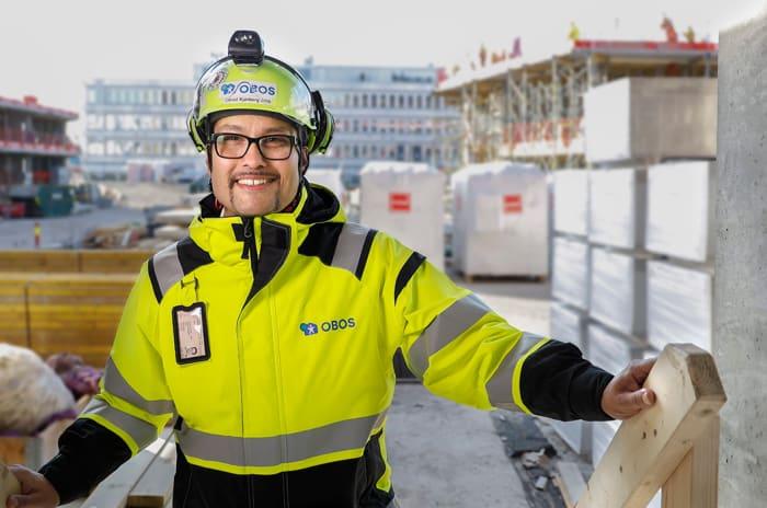 Foto av Daniel Kjørberg Siraj på byggeplass.
