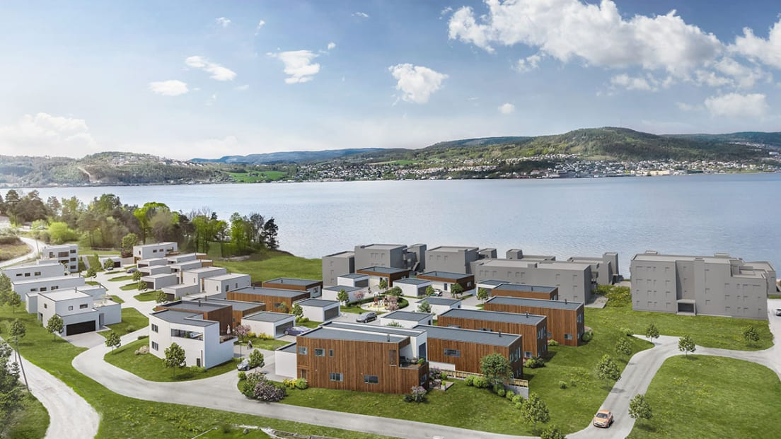 Oversikt av boligene mot fjorden