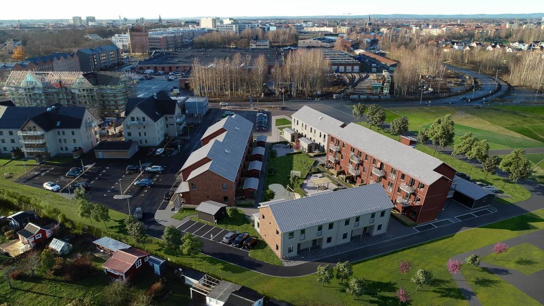 Drönarbild på Brf Kolonilotten i CV-staden Örebro