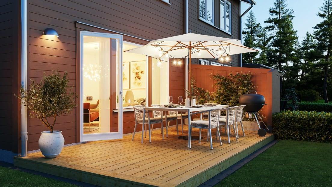 veranda med trätrall