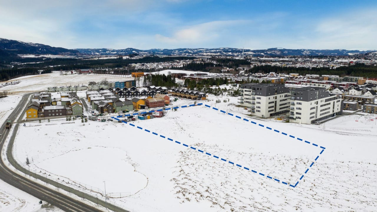 boligtomten på Tiller 360 markert med stiplet linje