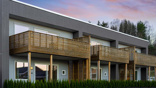 Fasadebilde av boliger på hvitveisbakken