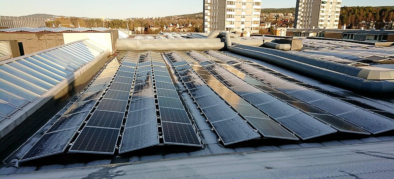 Solcellepanel på Tveita og Manglerud