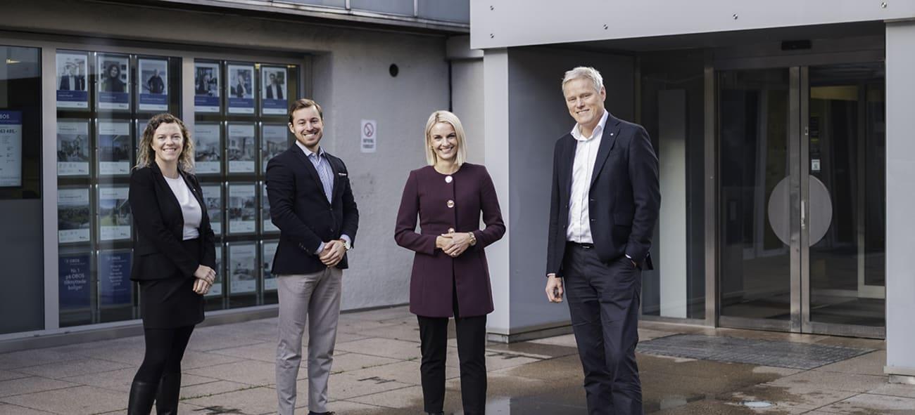 Personer på bildet: Hilde Rannem Rostad, direktør for digitalisering av økonomitjenester i OBOS. Daniel Bjørstad Karlsen, kommersiell leder i Semine. Lene Diesen, CEO i Semine. Morten Aagenæs, konserndirektør for innovasjon, forretningsførsel og rådgivning i OBOS.