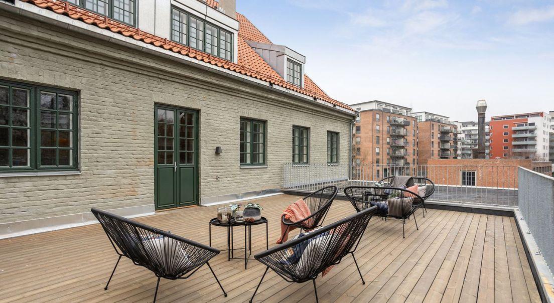 Terrassen tilhørende de syv leilighetene i Turbinveien 32.