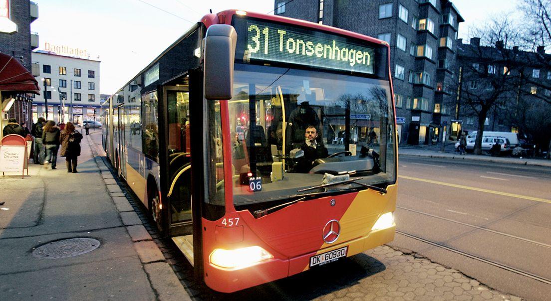 Bilde av buss 31 som går fra og til Fornebu.