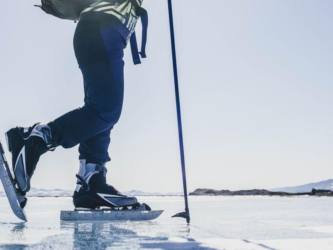 Långfärdsskridskor på is