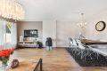 Romslig stue, pent og moderne pusset opp