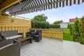 Deilig og solrik veranda mot vest og liten hageflekk.