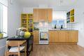 Kjøkkenet har tilstrekkelig med skap og skuffeplass