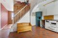 Andre tilsvarende boliger har åpnet opp til stuen for å få en åpen kjøkken og stueløsning.