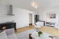 Bildet viser hvordan boligen kan gjøres om til 2-roms ved å gjøre kjøkken om til soverom