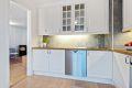 Kjøkken og stue er koblet sammen og gir en åpen løsning