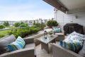 Flott usjenert terrasse på ca 10 kvm med markise.