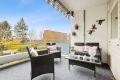Usjenert terrasse med hyggelig utsyn
