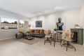 Stuen er av god størrelse og har god plass for både spisebord og sofa
