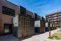 Dette er noe helt eget. Fasadevegg i tegl mot fyrhus er opprinnelig. Forøvrig er det helt nytt! med alle kvalitliteter.