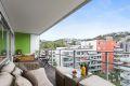 Svært sentralt og fint beliggende leilighet hvor du kan flytte rett inn og nyte livet med solrik balkong, god standard og flotte friområder.