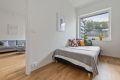 Leilighetens tredje soverom brukes i dag som gjesterom og kontor. Adkomst fra stue.