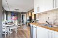 Kjøkken og stue i åpen løsning