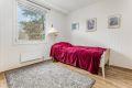 Leilighetens andre soverom er også av god størrelse. Rommet har et stort garderobeskap.