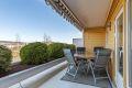 Meget usjenert terrasse med flott utsikt og svært gode solforhold, også kveldssol!