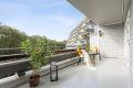 Terrassen er i hovedsak overbygget og har en svært praktisk bod på ca 2 kvm.