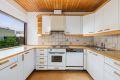 Kjøkken med god skapplass.