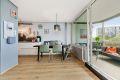 God plass til spisebord med sittebenk som gir ekstra oppbevaringsplass