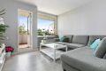 Romslig plass for god sofa med naturlig og fin plassering av tv. 1 stavs laminatgulv i hele leiligheten fra 2018.