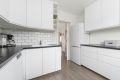 Ikea, godt planlagt kjøkkeninnredning med mye skap og benkeplass fra 2017.