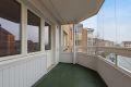 Fra stuen er det utgang til en hyggelig innglasset balkong på 7 kvm med belysning og strømuttak.
