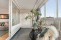 12 kvm innglasset balkong, lag din egen oase av møbler og blomster og ha et ekstra rom for store deler av året.