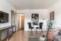 I stuen har du mulighet for både salong og spisebord.