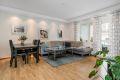 Lys stue med arealeffektiv planløsning